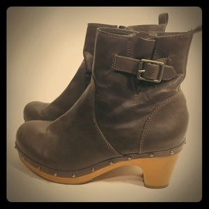 American Eagle size 8 booties steampunk fashion